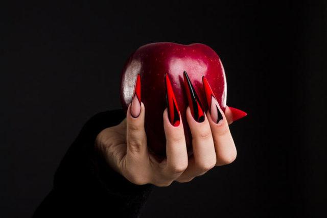 Halloween në thonjtë tuaj  ja si të festoni në majë të gishtave