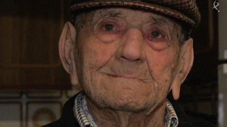 Feston ditëlindjen e 113 të  sipas tij sekreti për jetëgjatësi është shumë i thjeshtë