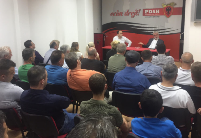Thaçi  takon strukturat e degëve të PDSH së  së Tetovës dhe Tearcës