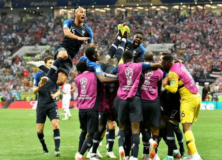 Franca e mposht Kroacinë  shpallet kampione e Botës për herë të dytë në histori
