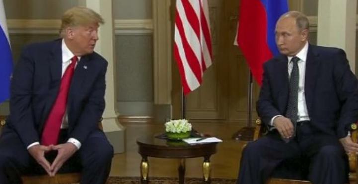 Takimi Trump Putin   Një shtrëngim duarsh që zgjati rreth tre sekonda  të dy dukeshin të tensionuar