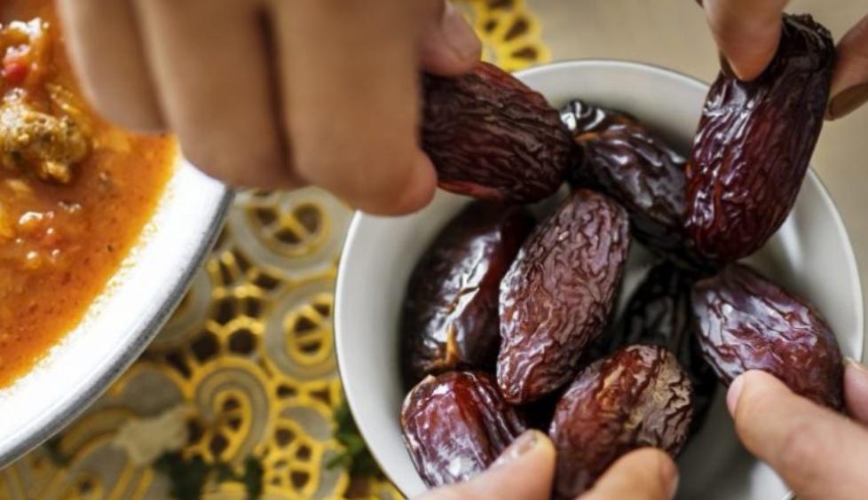 Gjashtë zakone të gabuara në ushqim  të cilat agjëruesit i bëjnë gjatë Ramazanit