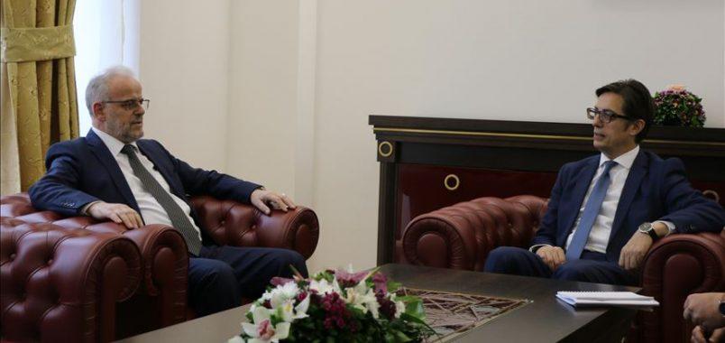 Presidenti Pendarovski takon kryeparlamentarin Xhaferi